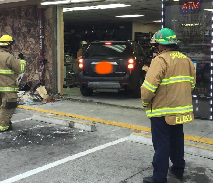 Car Drives Through Store: SERVPRO Boards it Up Before